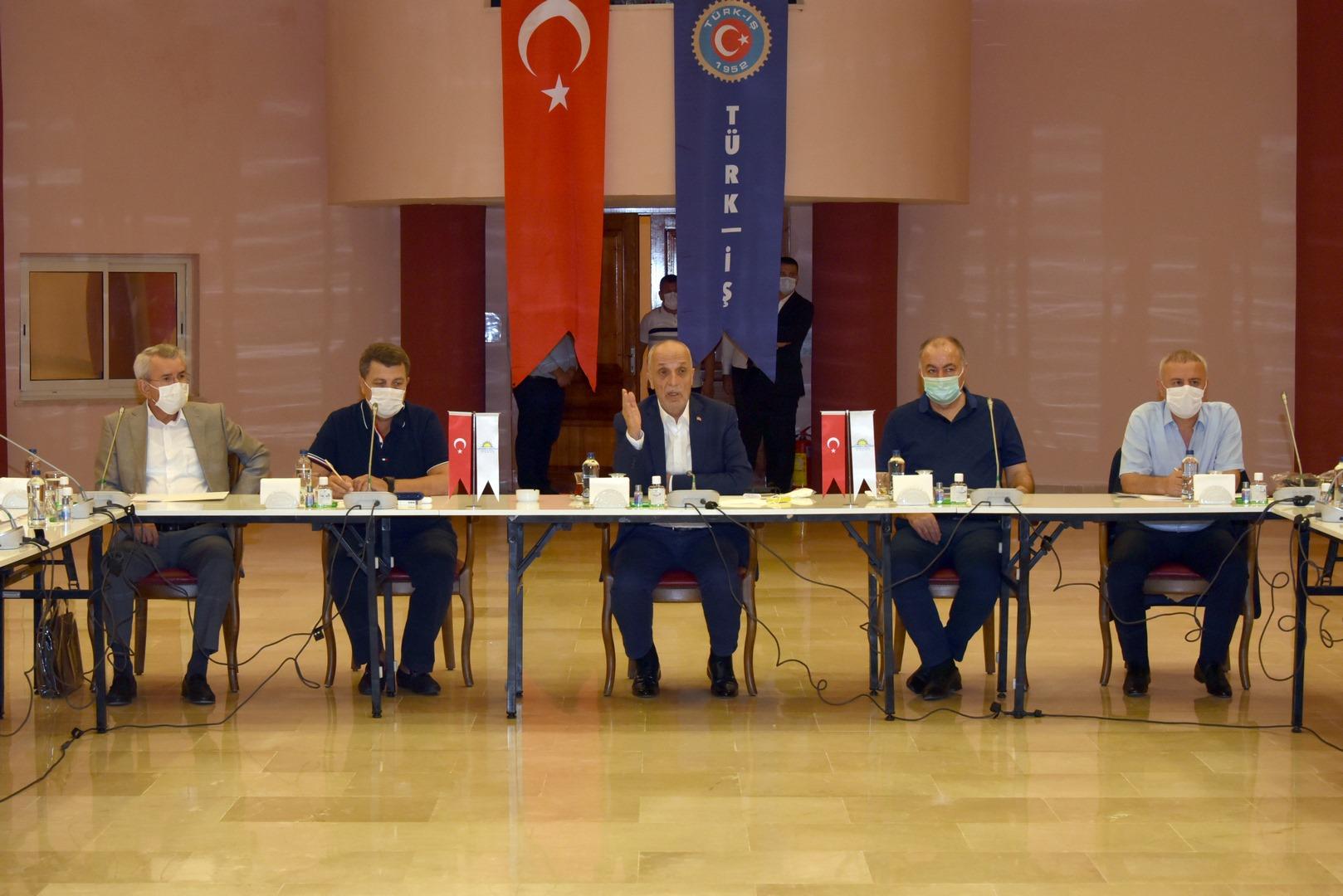 TÜRK-İŞ Başkanlar Kurulu 24. Dönem Beşinci Toplantısı 01 Eylül 2020 Salı Günü Aydın-Didim'de toplandı.