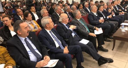 TÜRK-İŞ GENEL MERKEZİ KONFERANS SALONUNDA